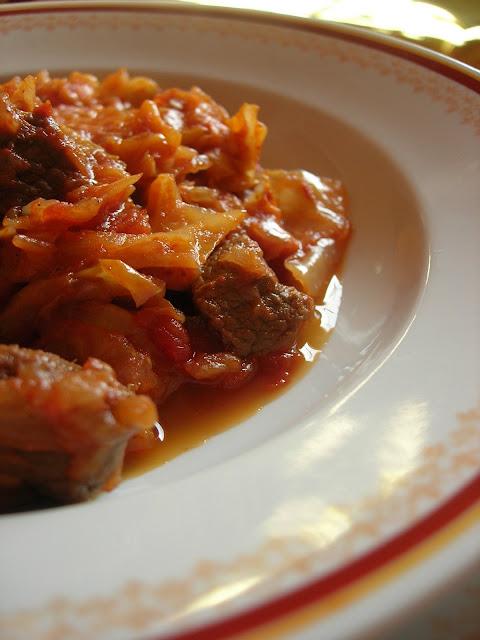 Almost turkish recipes cabbage stew with beef etli kapuska - Cabbage stew recipes ...