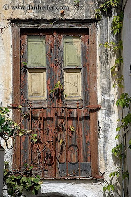 old+wooden+door+old-wood-door-w-rusted-gate-big.jpg