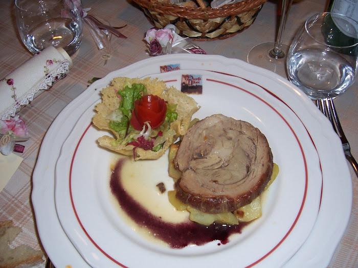 reale di vitello su patate con riduzione di Montepulciano
