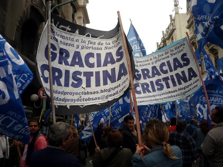 ...y junto a muchísimos argentinos nos decidimos a ganar las calles...