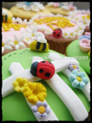 Cerita dari Dapur Amatir: Garden Themed Birthday Cupcakeset for Mother