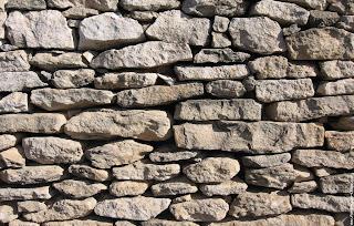 Les murs en pierre