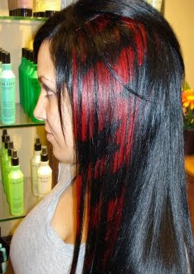 Hair Extensions Gone Wrong http://myhairisemo.blogspot.com/2010/01/hair-extensions-clips-strips-and-bits.html
