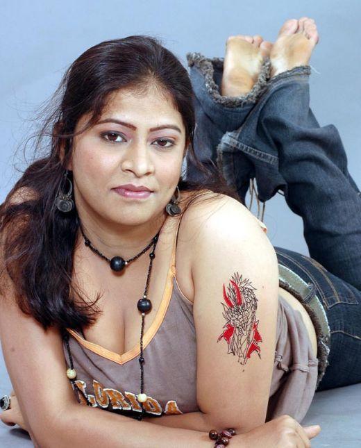 Desi Mallu Aunties Stories