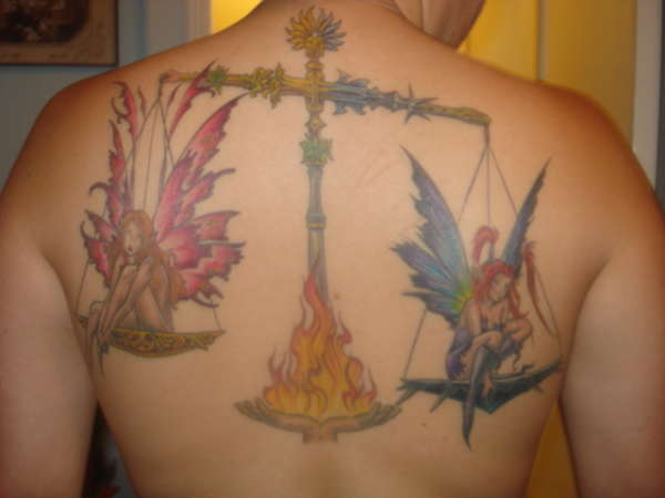 The two basic tribal Libra tattoo designs are the scales and the Libra glyph