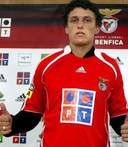 [Image: David+Luiz.jpg]