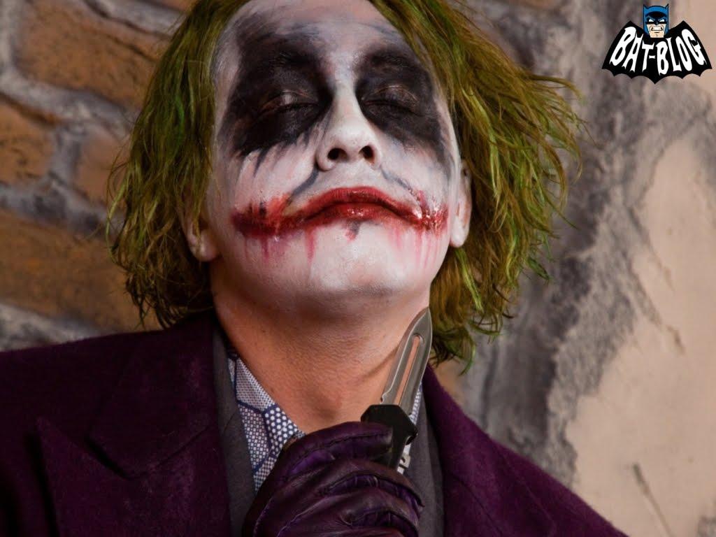 http://1.bp.blogspot.com/_2kjisMm3M9Y/TJauvsm23FI/AAAAAAAANgQ/TnI7z2smVLM/s1600/wallpaper-joker-damon-batman-3.jpg