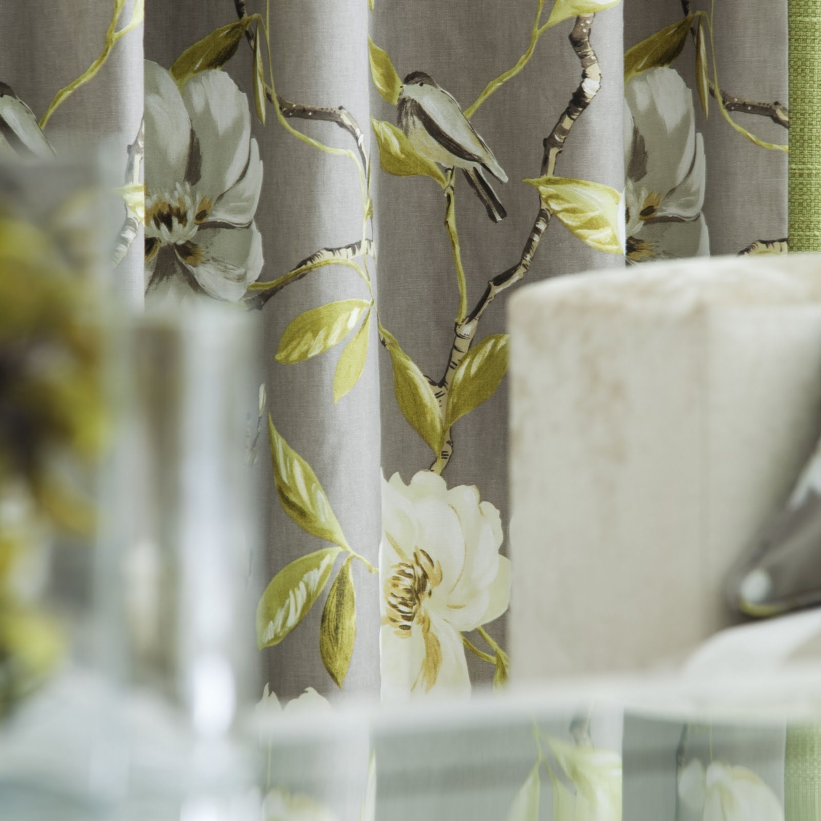 http://1.bp.blogspot.com/_2l6usBCwqa8/S7xJCXWFhlI/AAAAAAAAAMA/Ku2ufSFx4C4/s1600/Interiors+Trend+-+Imperial+by+Prestigious+Textiles.jpg
