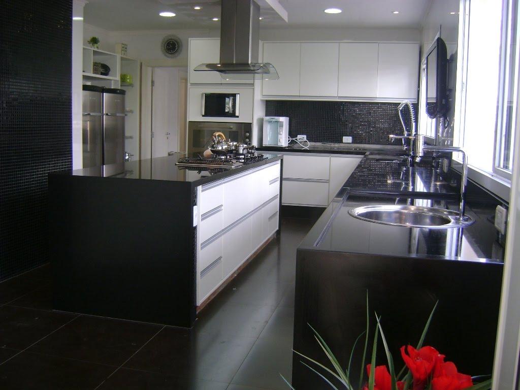 #B50B11 Pia e Bancadas em Granito Preto Absoluto 1024x768 px Bancada De Marmore Cozinha Americana Preço_2435 Imagens