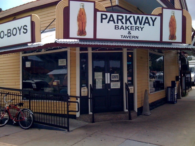 Hickswrites new orleans dining parkway bakery tavern for Parkway new orleans