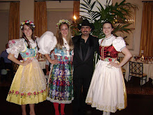 Czech Queens with Musician Chris Rybak