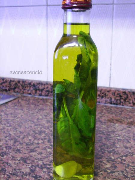 botella de aceite aromatizada