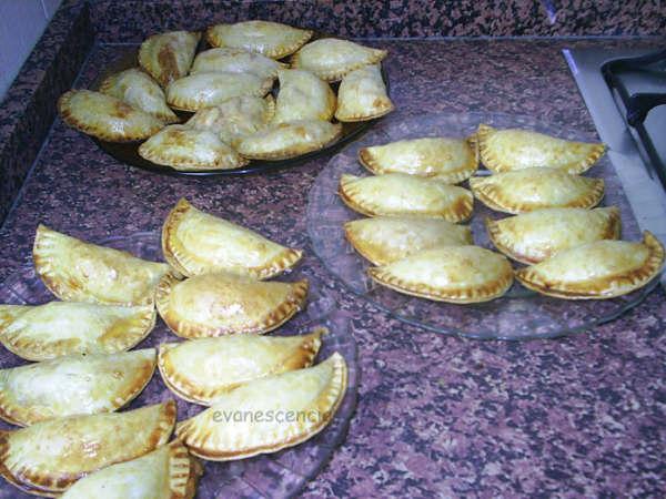empanadillas de pollo con tomate