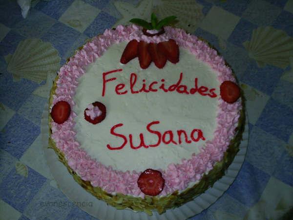 tarta cumpleaños de nata y chocolate