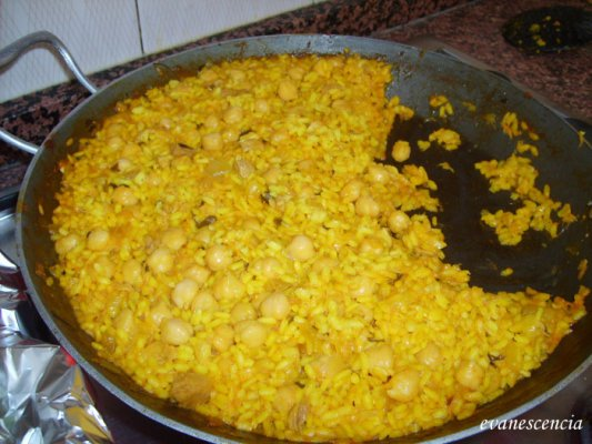 arroz en paella