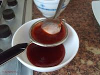 colar mermelada de fresa