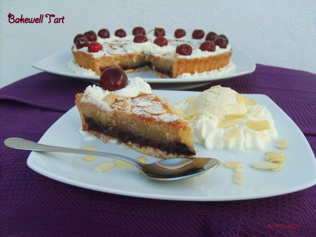 trozo bakewell con helado