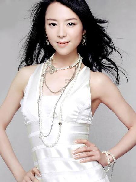Jingchu Zhang Nude Photos 24