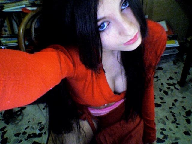 http://allwallpaper00.blogspot.com/2012/09/cosplay-sexy-wallpapers_29.html