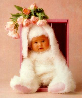 Foto Bayi Memakai Baju Kelinci