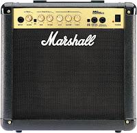 Teste do amplificador de guitarra Marshall MG15CD para estudo, ensaios e pequenos shows