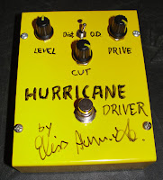 Teste do pedal handmade Hurricane Driver montado por Elvis Almeida