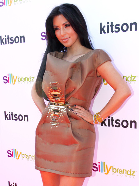 hot celebrities pics celebrity gossips kim kardashian promoting kardashian glam silly bandz