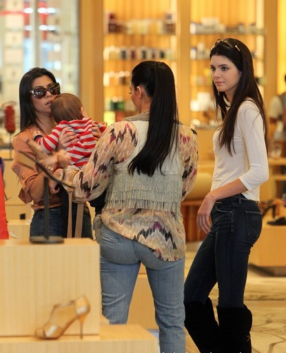 KIM KARDASHIAN SHOPPING AT BARNEYS WITH KOURTNEY KARDASHIAN,KENDELL JENNER,SCOTT DISICK AND BABY MASON