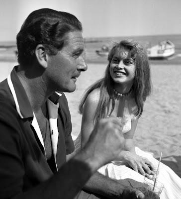 Brigitte Bardot avec Errol Flynn, 1956 - BB, La femme et le pantin, Le Mépris, par Vadim, Viva Maria, Le repos du guerrier, Gainsbourg : Bonnie and Clyde - Gainsbourg, une vie héroïque, Bardot jouée par Claudia Schiffer - Blog with a View - Thierry Follain
