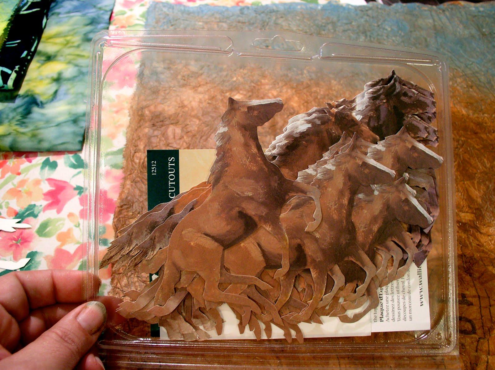 http://1.bp.blogspot.com/_2ssunQr1FDY/SwxKMaVlPWI/AAAAAAAADP8/4Mu5FJToTAs/s1600/Fabric+Paper+Horses+Wallpaper+2.jpg