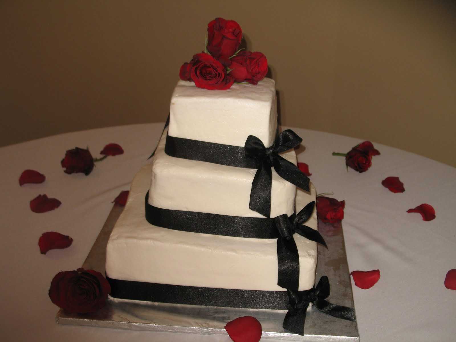 Dede s Cakes 3 Tier Square Wedding Cake
