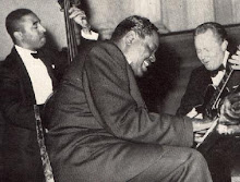 Oscar Peterson tro, pasndoselo en grande