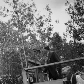 Elmer A. Benson speaks at Mesaba Co-Op Park... 1940