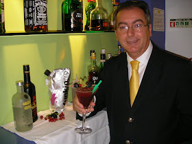Francisco Guerreiro Barman do mês de Agosto 2010 Funkin - Yellow Alvor Hotel, Bartending is my Life