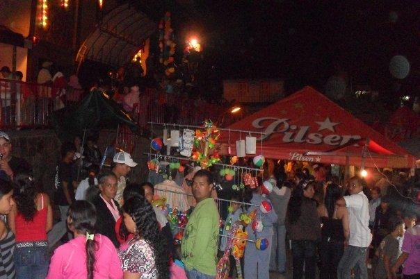 Toldas De Toledo Antioquia Colombia Gente Rumbiando