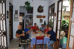 K BUEN DIA, TOM, LUCAS, RODRIGO,AMANCIO, KUMAN Y YO. T. F.