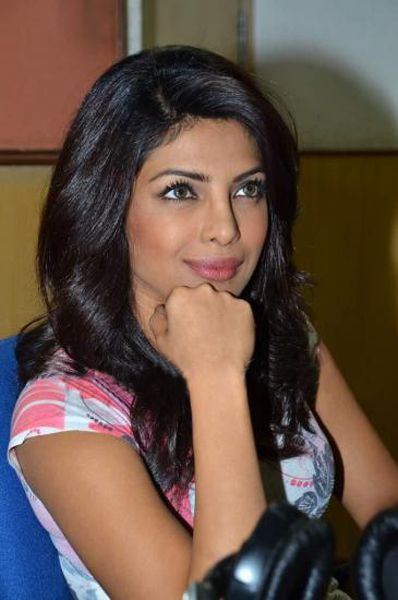 Priyanka Chopra At Radiocity  Khoon Maaf Promotioon PhotogalleryStills hot photos