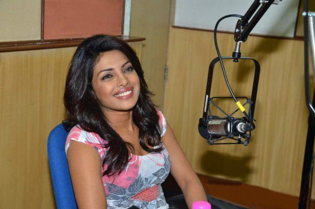 Priyanka Chopra At Radiocity  Khoon Maaf Promotioon PhotogalleryStills wallpapers