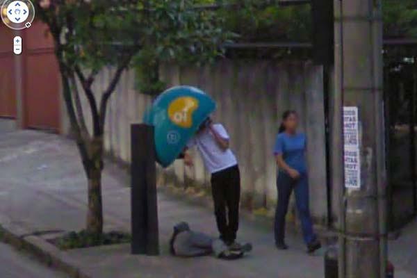 aneh yang ditangkap oleh produk Google seperti Google Street View