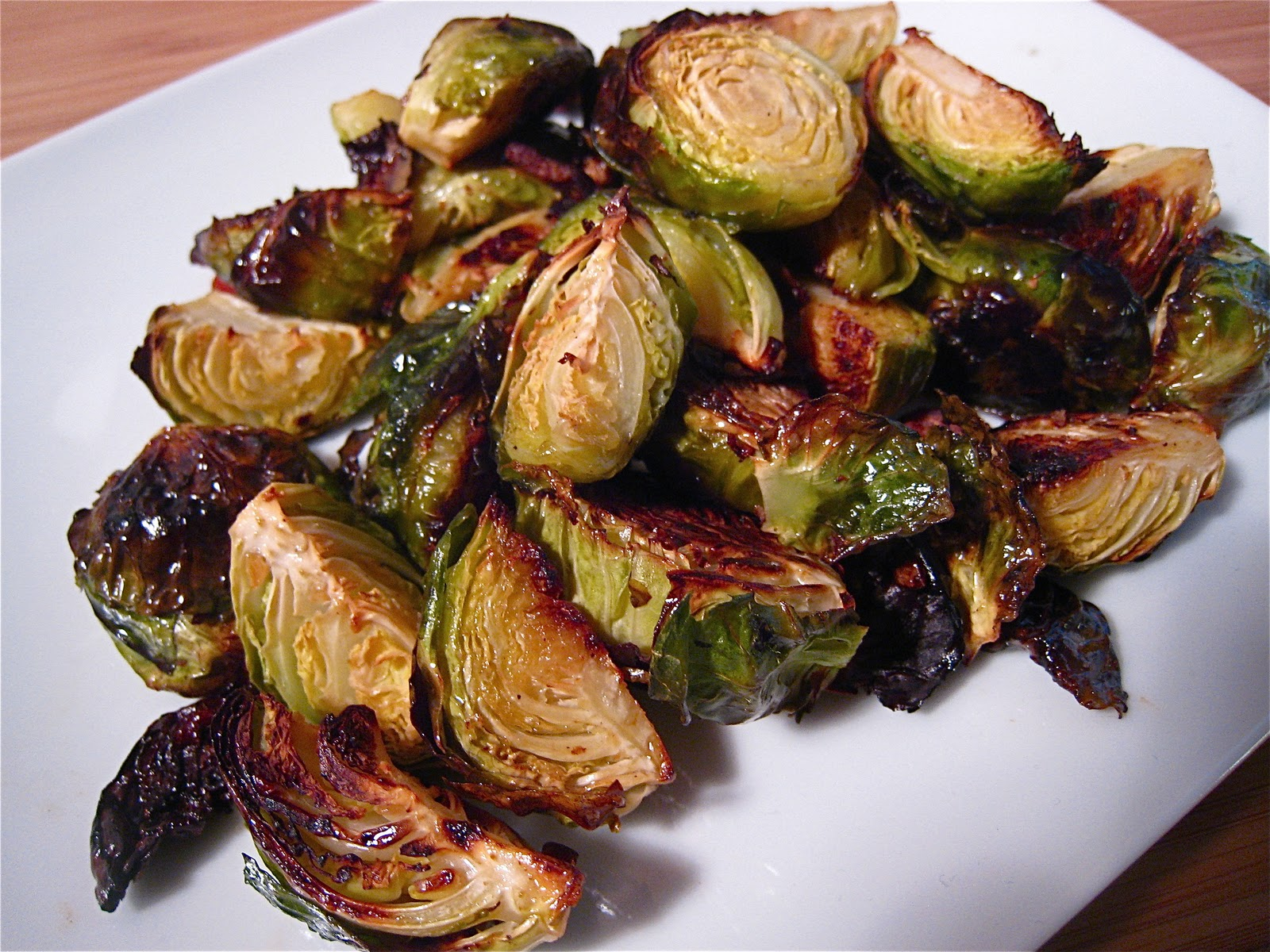 KITCHEN FIDDLER : Roasted Brussels Sprouts With Bacon And Garlic
