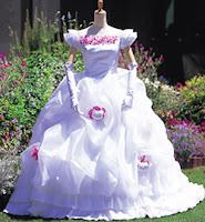 http://1.bp.blogspot.com/_3-h3lqEIcx0/RbeZBHqXNrI/AAAAAAAAARc/m1PBF-D0N5c/s200/hk+dress.jpg