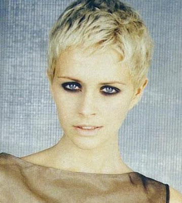 Trendy cute short blonde hairstyles for 2010