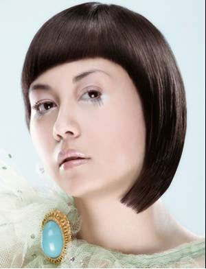 Photos of Cute Short Chipped Haircut for 2010