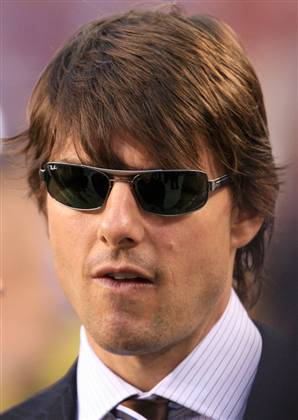 Tom Cruise medium hairstyles