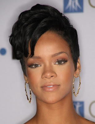 short hairstyle of Rihanna.