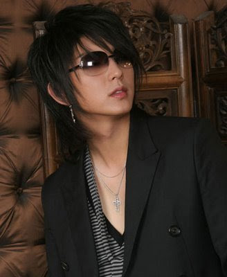 medium long layered Asian men hairstyle
