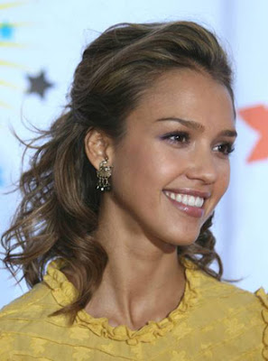 Jessica Alba Romance Hairstyles Pictures, Long Hairstyle 2013, Hairstyle 2013, New Long Hairstyle 2013, Celebrity Long Romance Hairstyles 2052