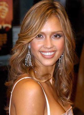 http://1.bp.blogspot.com/_30PRmkOl4ro/ShVStW2U6sI/AAAAAAAAQmM/yUnOoQQfYjA/s400/Jessica+Alba+Latest+Trendy+Hairstyle6.jpg