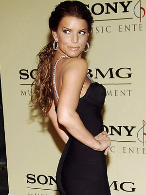 jessica simpson short hairstyle