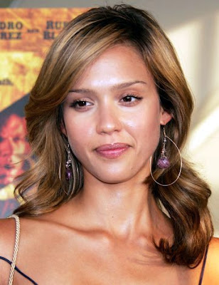 Long Wavy Hairstyles of Jessica Alba 2010
